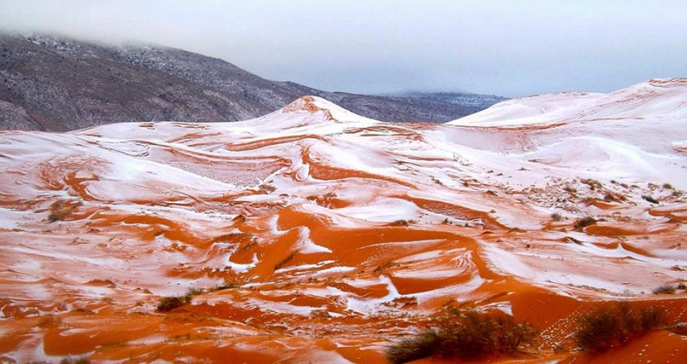 © Karim Bouchetata  Его жители были поражены случившимся, ведь впоследний раз снег вСахаре в