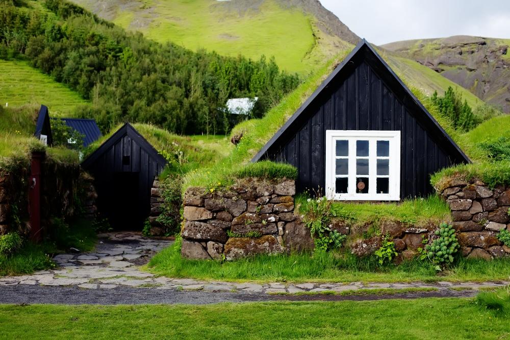 © Ienaer/Shutterstock  Исландия— одно изнемногих мест вмире, где можно побродить понастоящ