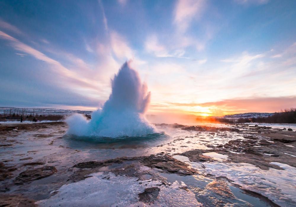© ZinaidaSopina/Shutterstock  Исландский большой каньон глубиной около 100м— одно изсамых к