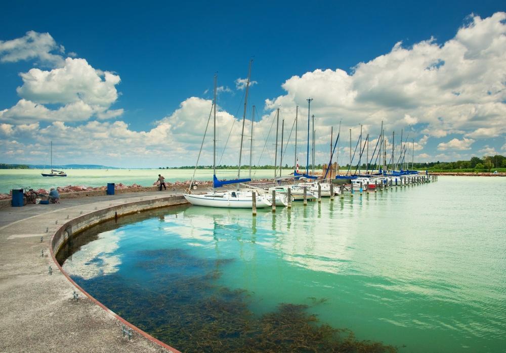 Повод для национальной гордости— крупнейшее озеро вЦентральной Европе— Балатон. Природный заповед