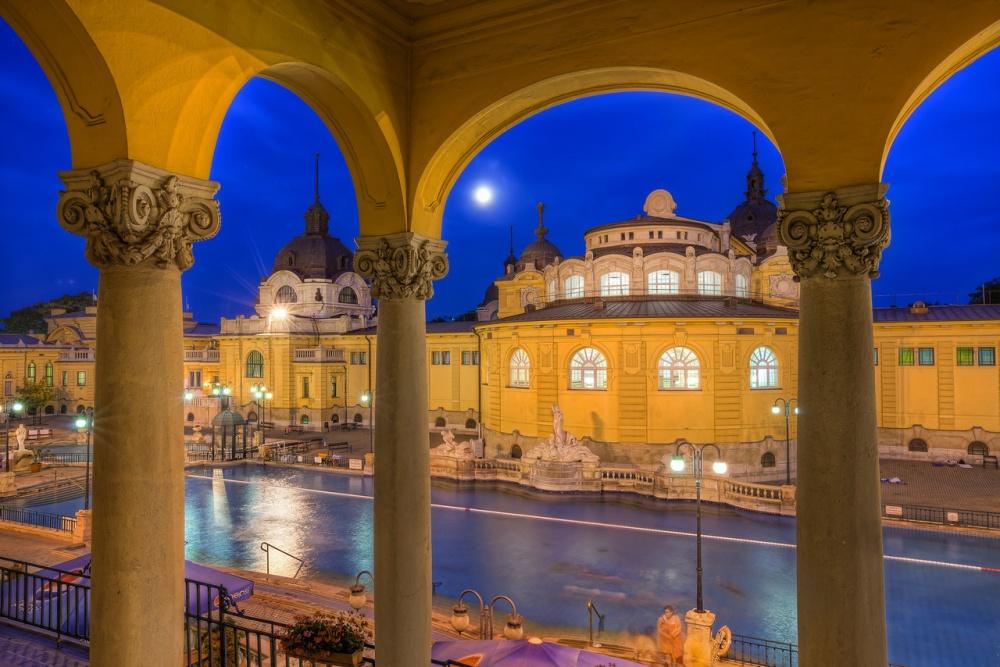 Встолице Венгрии расположился самый большой спа-центр вЕвропе. Мятные иванильные сауны, горячие т