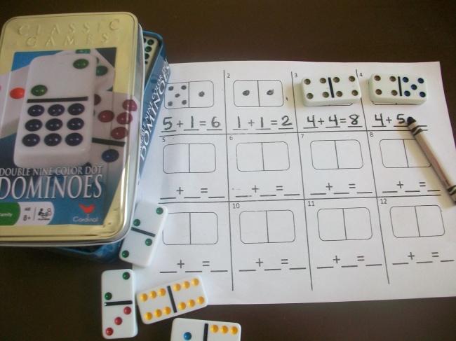 © firstgradeschoolbox.blogspot.ru  Как играть Используя детали домино, можно также научиться с