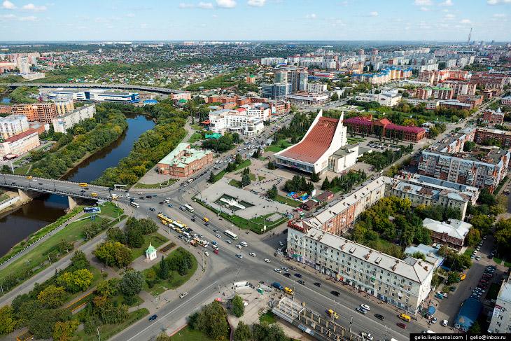 2. До развала Советского Союза Омск был известен как «Город-сад», «Город молодёжи» и «Город науки».