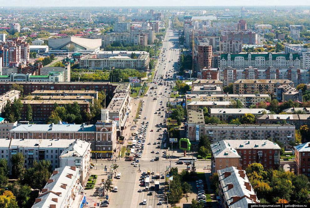 31. Железнодорожный вокзал «Омск-Пассажирский». Расположен на главном ходу Западно-Сибирской же