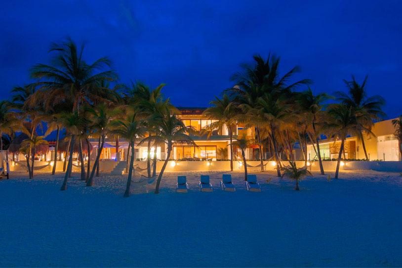 Потрясающая вилла класса люкс Azul Villa Esmeralda в Пуэрто-Морелос, Ривьера Майя, Мексика. Захватыв