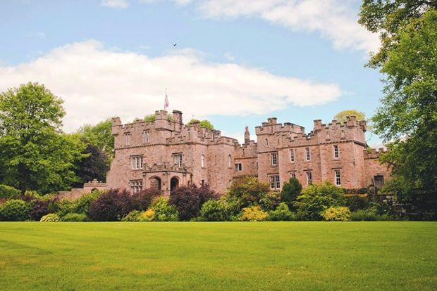 Отель Otterburn Castle Country House, Великобритания Год постройки: ~1086 Otterburn Castle Country H