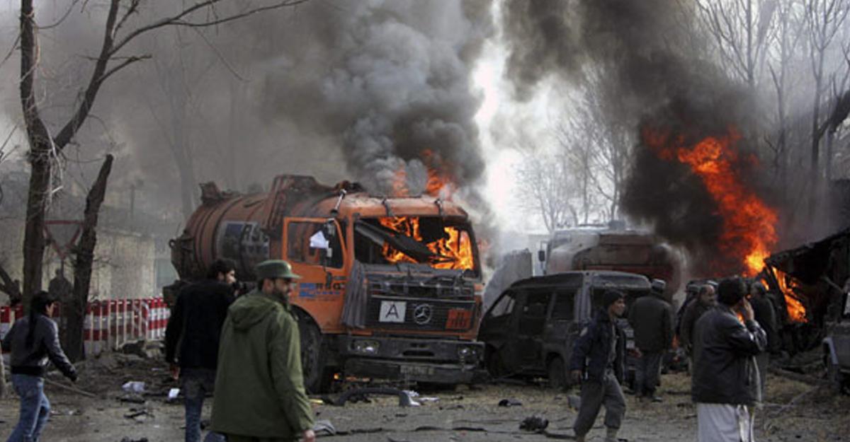 Число погибших  взрыва намитинге вКабуле достигло 80 человек