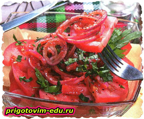 Ирландский салат из помидор с луком