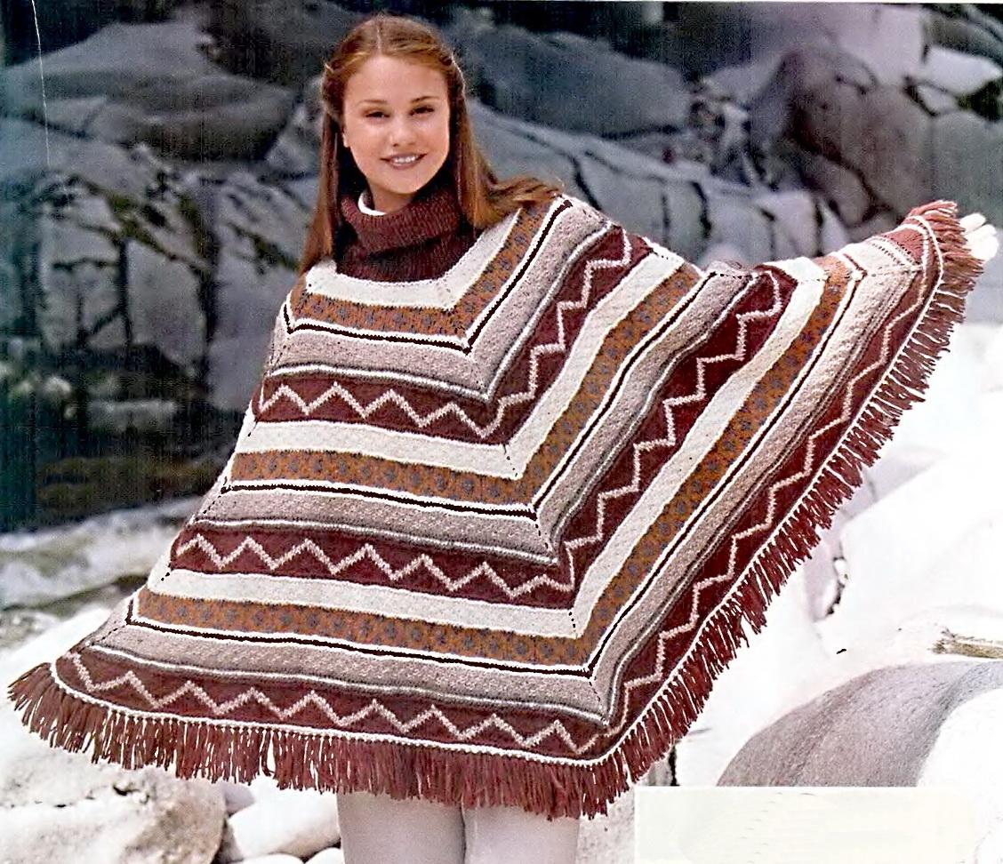 вязаное спицами пончо с узором из анд