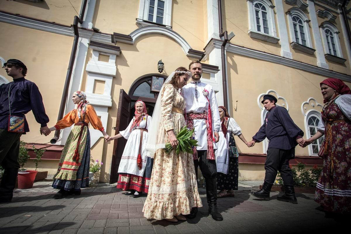 Как у наших у ворот: Томский свадебный хоровод