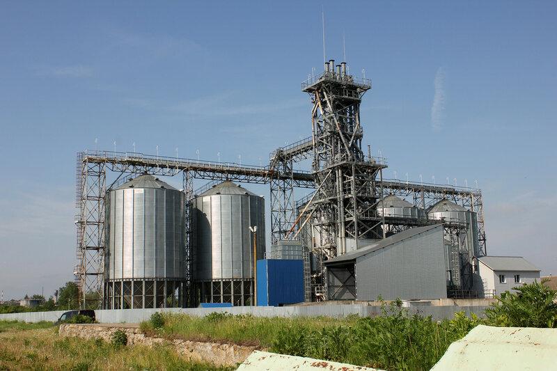 Завод возле станции Сычёвка
