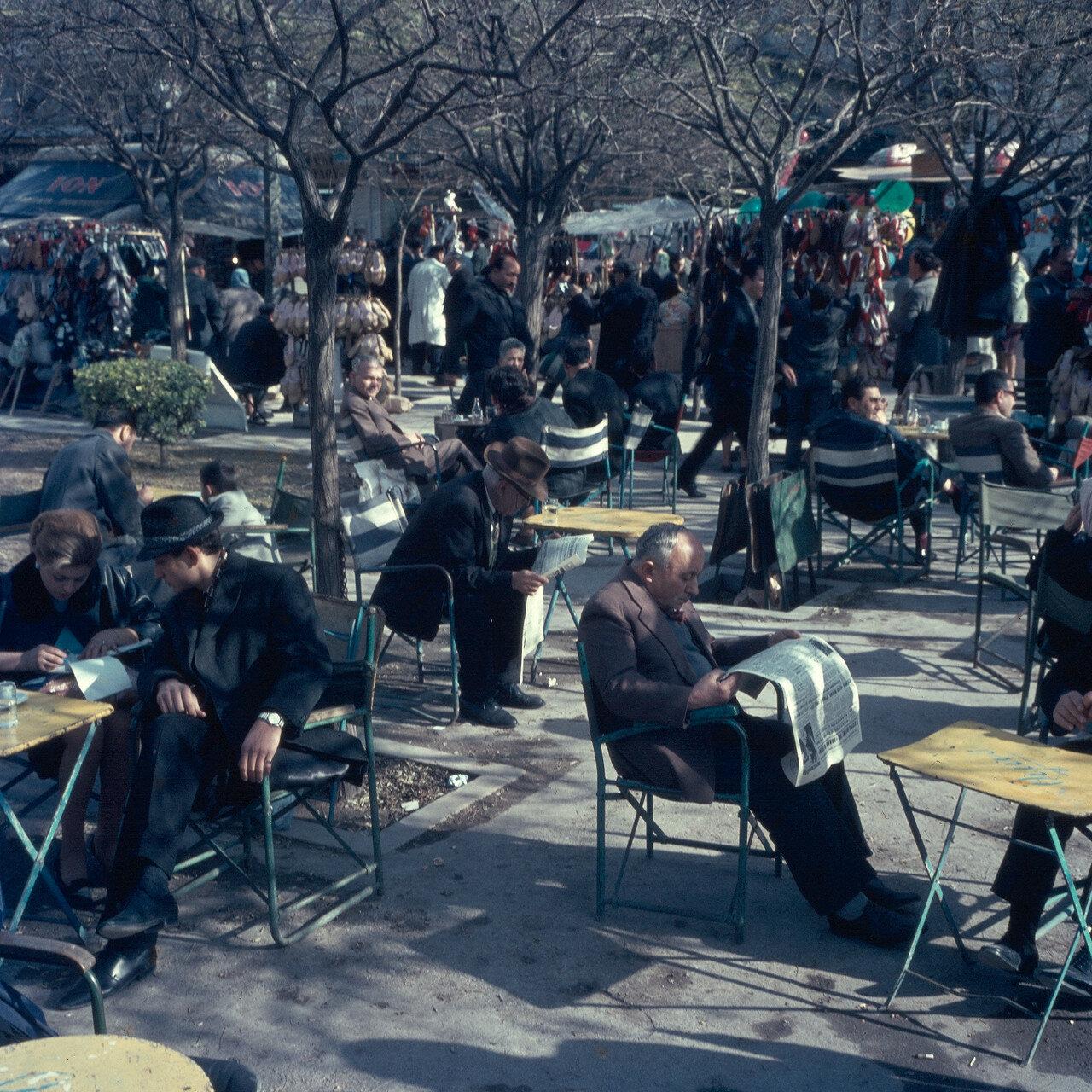 Кофейня на площади Коция
