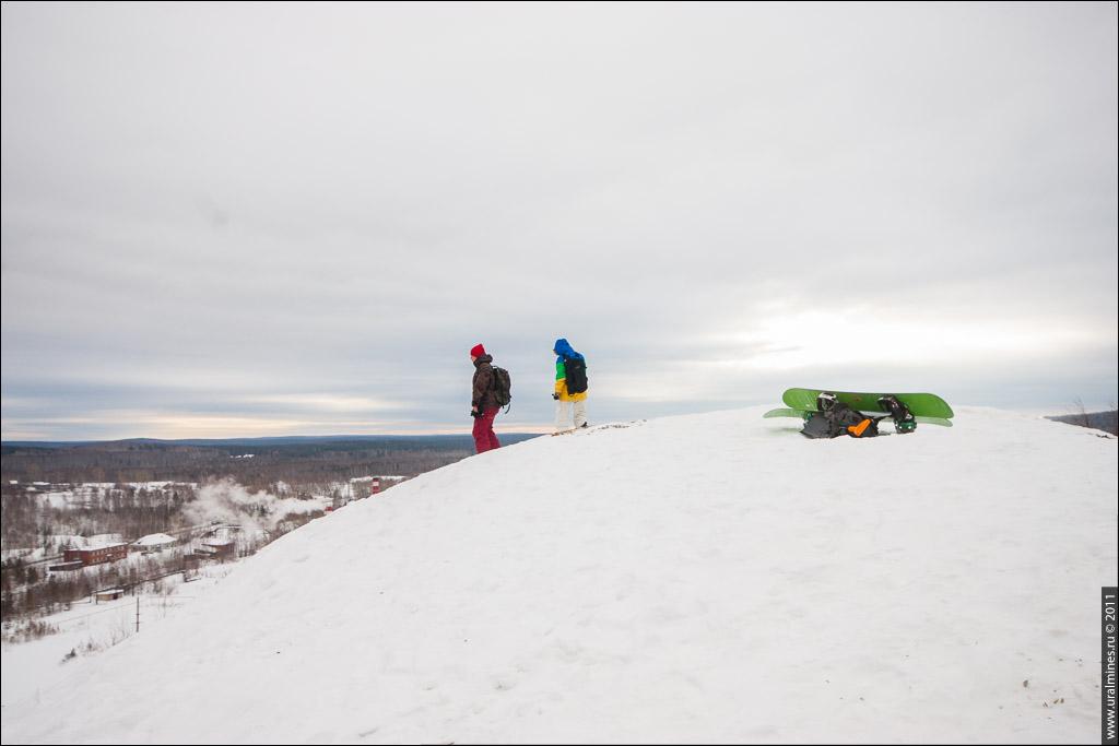Katalovo 2 - катание на сноуборде с террикона в Дегтярске
