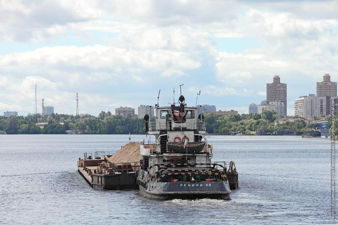 буксир-толкач «Речной-59» с баржей