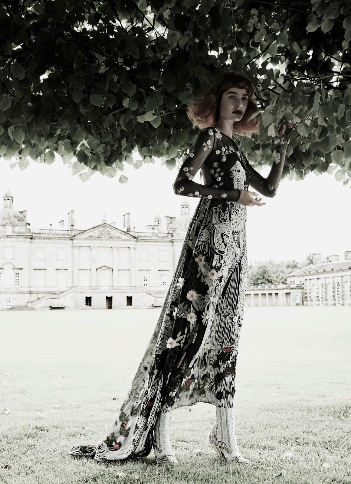 Maartje Verhoef by Tom Munro | Vogue Italia September 2016