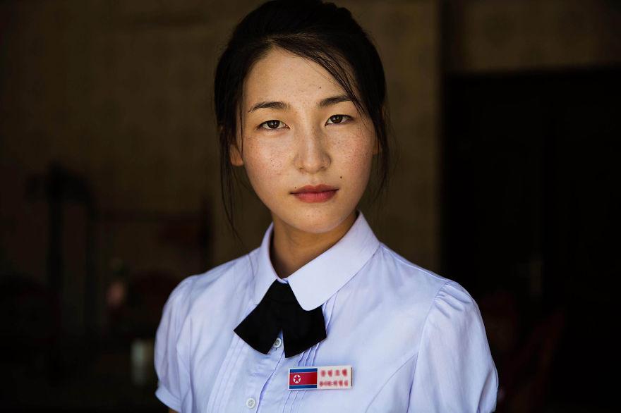 Cнимки женщин из Северной Кореи, которые доказывают, что красоту не погубить (22 фото)
