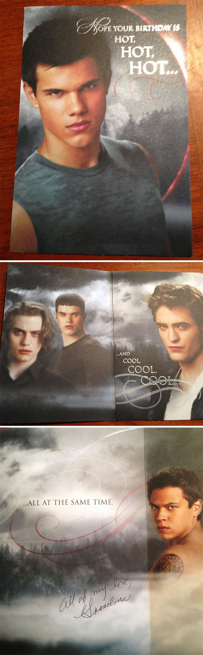 «Бабушка подарила моему брату открытку с актерами фильма