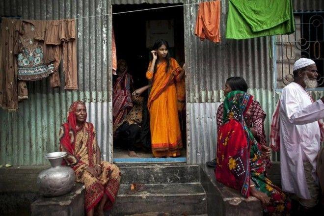 Индусы говорят, что ненавидят правительство за эти препоны. В отдаленных деревнях такие браки поддер