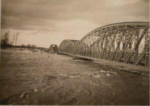 Половодье на реке Вислоке вблизи станции.