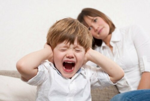 Как справиться с детской истерикой и капризами
