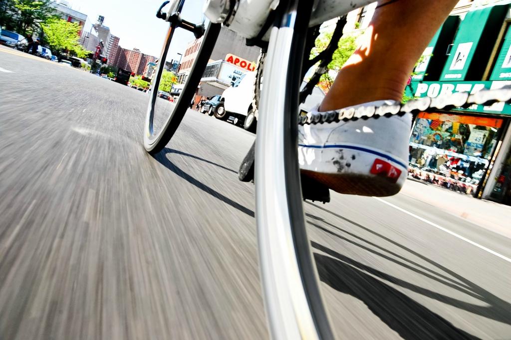 велосипед, город, дорога, звезда, камера, катание, колесо, ноги, педаль, покрышка, цепь, шина, триал, стрит, дерт, фрирайд, даунхилл, кросскантри, марафон, шоссе