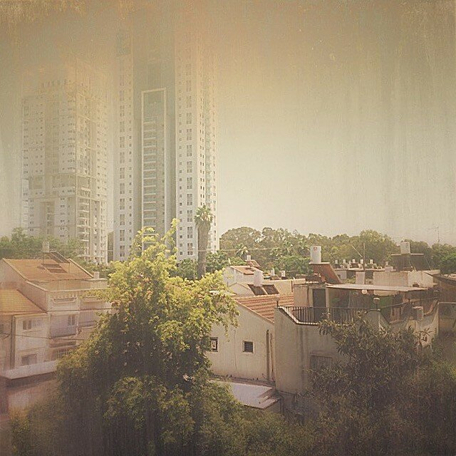 Окно в Рамат-Гане