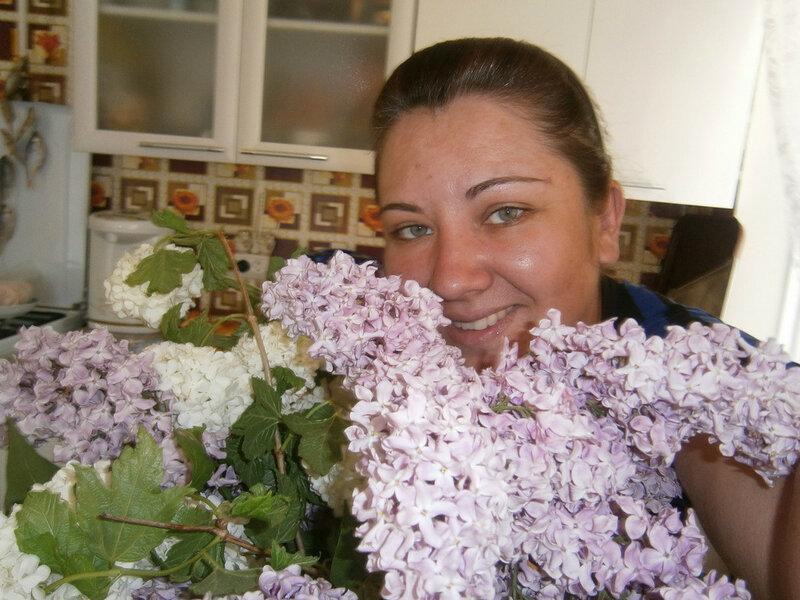 Цветы и улыбка