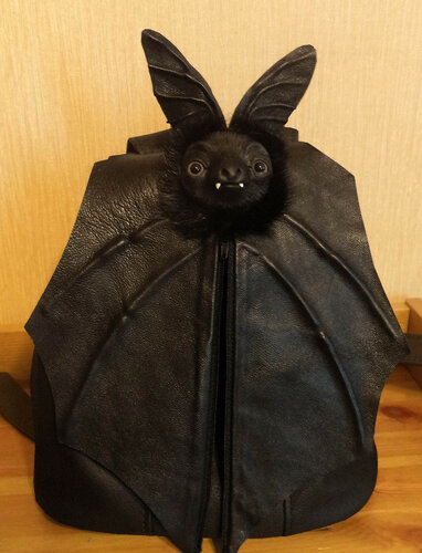BatBackpack1.jpg