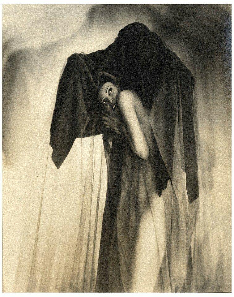 1936. «Мадонны и монстры». Одержимость
