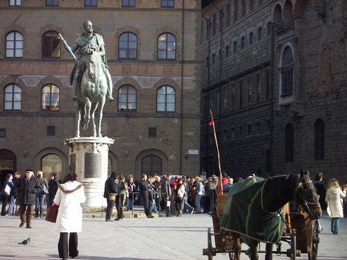 Памятник Козимо I (Медичи), Джиованни да Болонья на площади Синьории во Флоренции