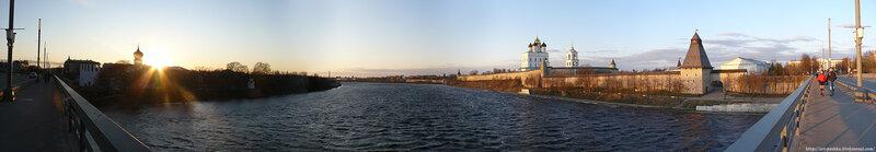 Панорама двух берегов реки Великой
