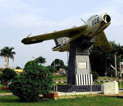 МиГ-памятник