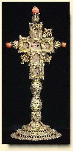 КРЕСТ НАПРЕСТОЛЬНЫЙ Греция. Середина 19 века 24 x 11 см.