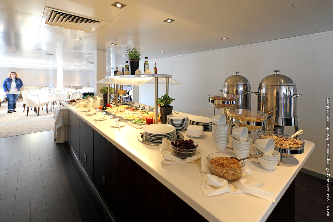 шведский стол завтрак теплоход Александр Грин