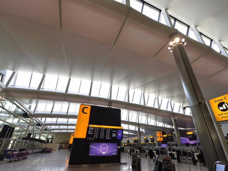 Считается третьим по загруженности пассажирским аэропортом в мире. Годовой пассажиропоток: 73,4 млн