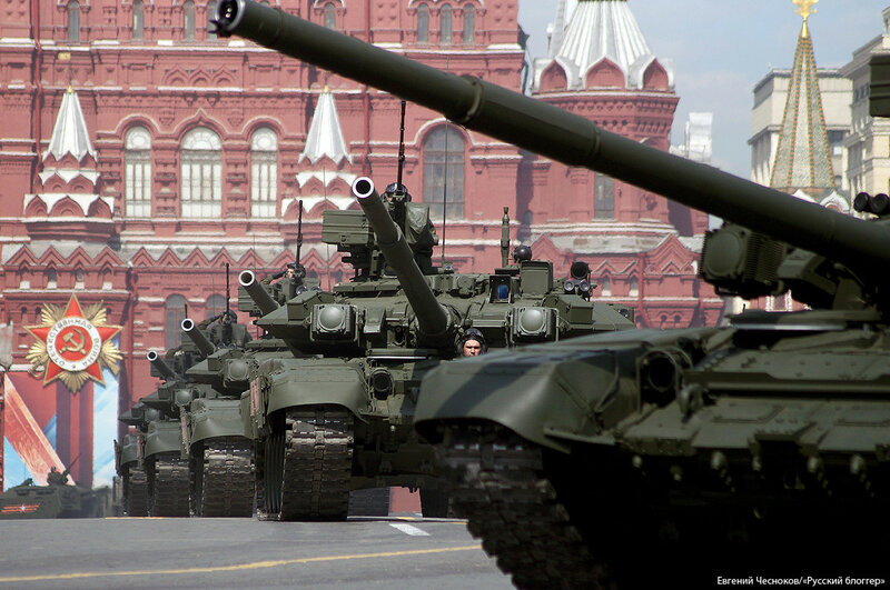 Весна. Парад реп. танк Т 90А. 07.05.16.04..jpg
