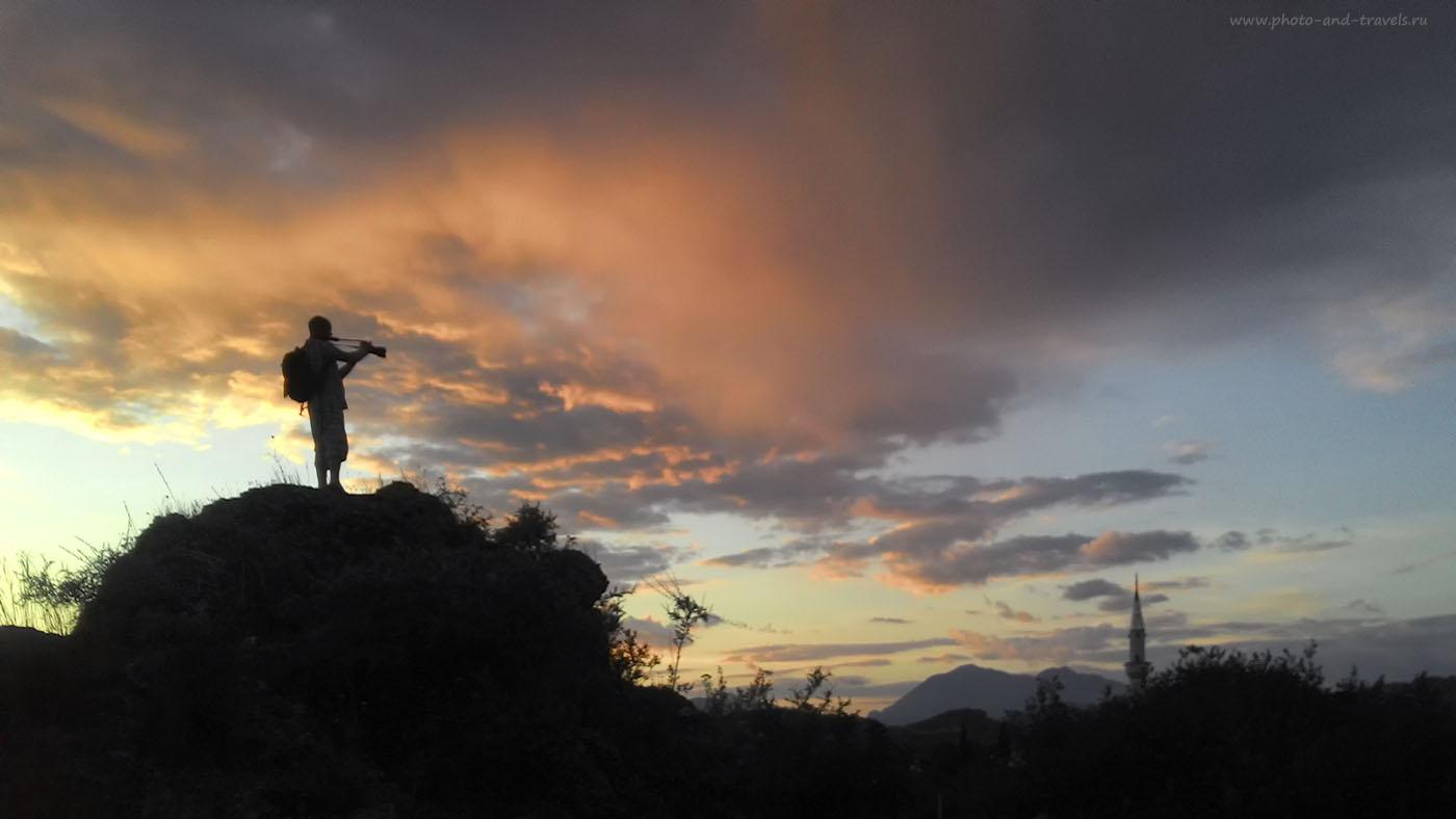 Фото 25. Снимаю видео со скалы в окрестностях Аспендоса. Снято на смартфон.
