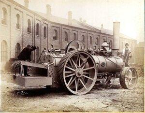 Паровой трактор, Российская Империя, 1839 год. Работоспособный вид. Историческое фото. Трактор этот находится в Луганской области..jpg