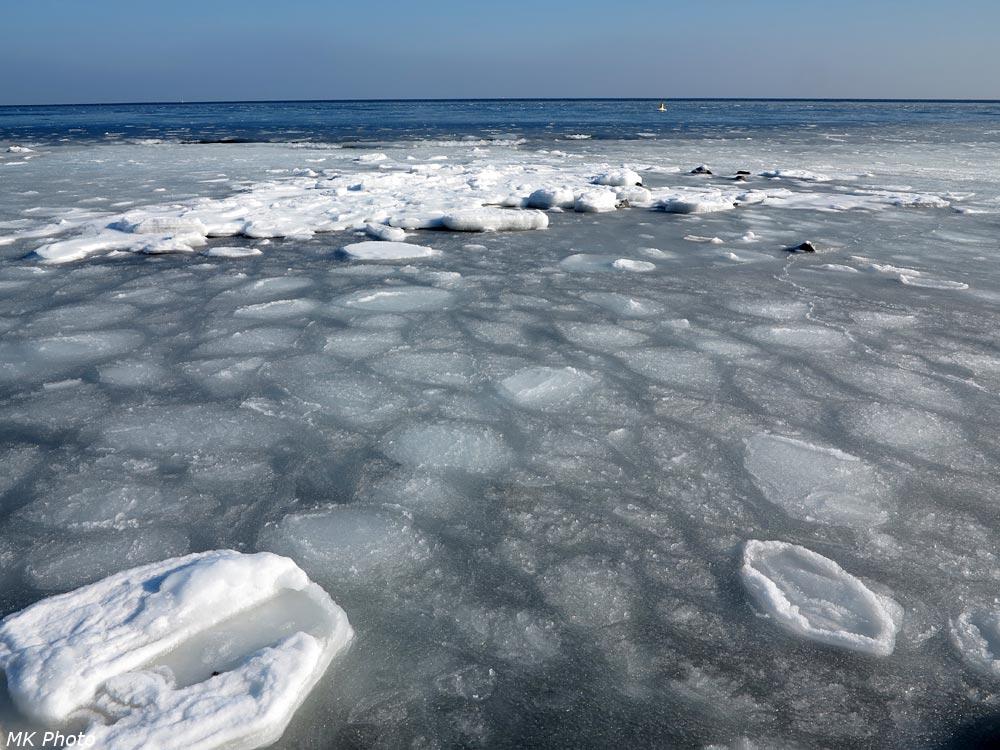 Морские льдины