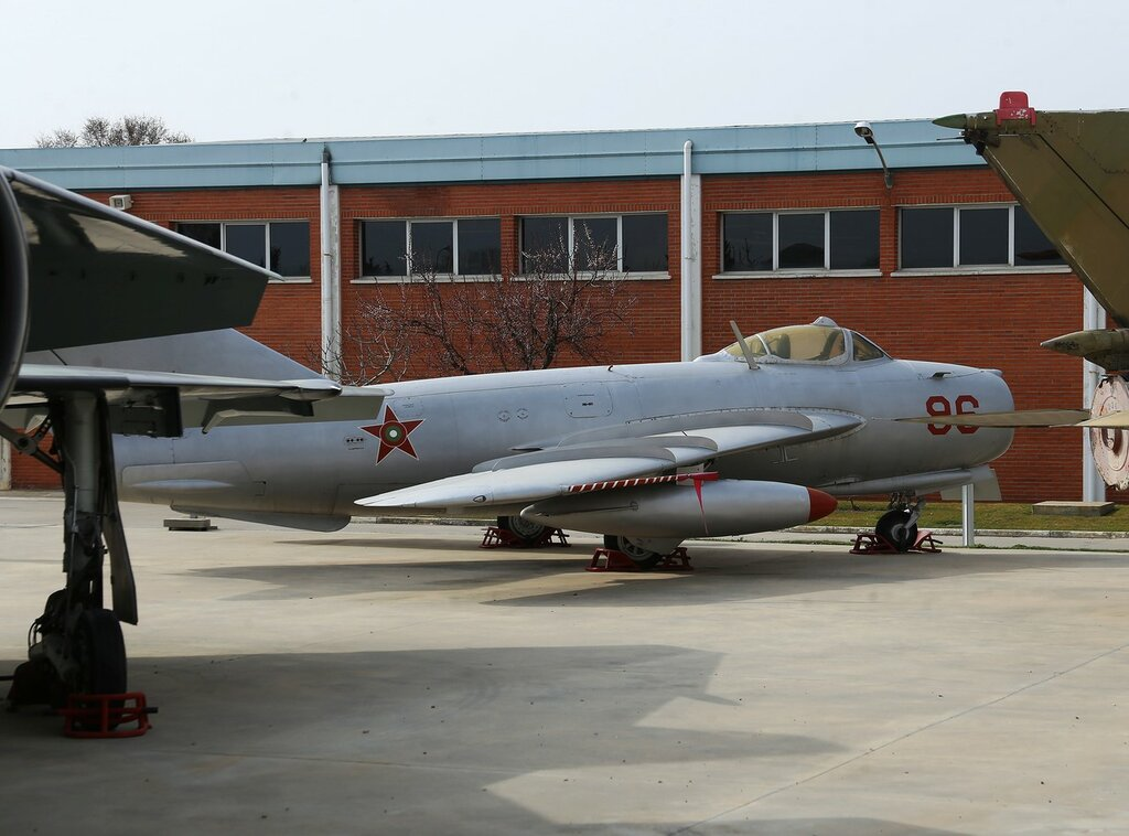 Mikoyan-Gurevich MiG-17 fighter (Museo del Aire, Madrid)