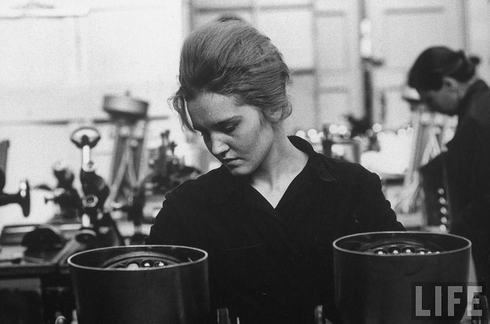 Рабочая завода, 1961 год.
