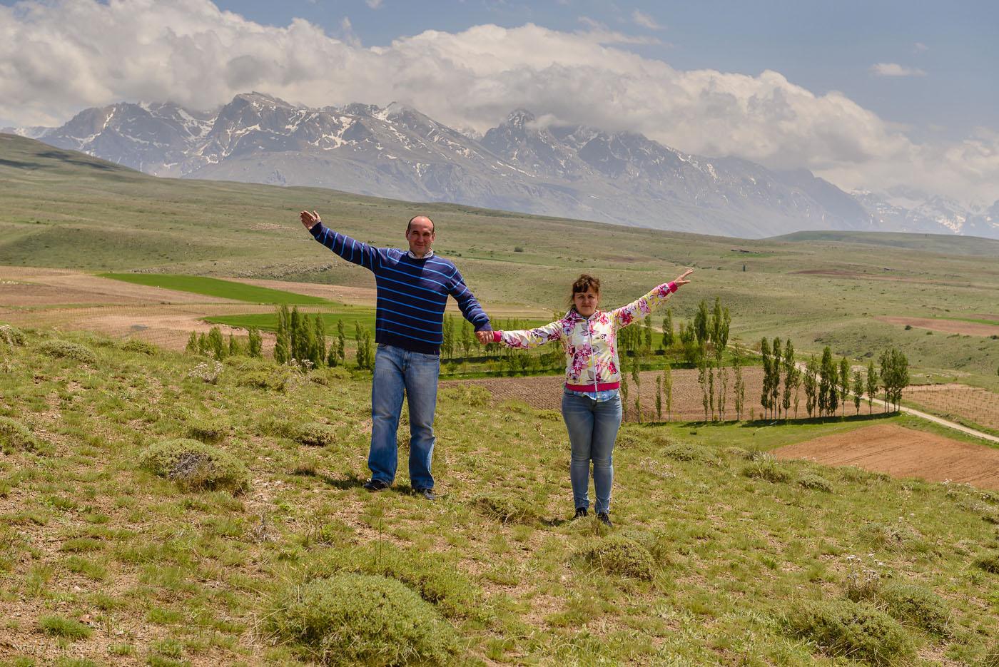Фото 20. Чтобы снять это фото, нам пришлось свернуть в кишлак в горах, оставить машину внизу и забраться на высокий холм. 1/125, 8.0, 100, 58.