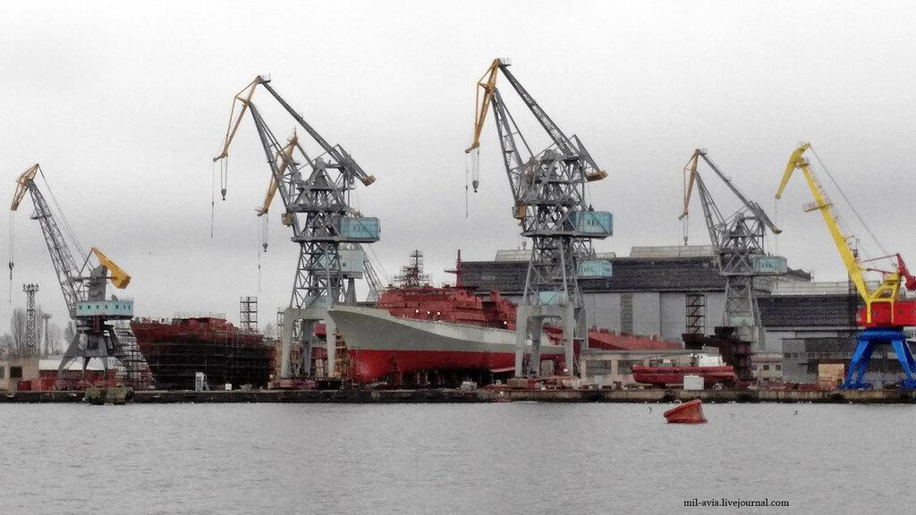"""Прибалтийский судостроительный завод """"Янтарь"""" в Калининграде в феврале 2017 года"""