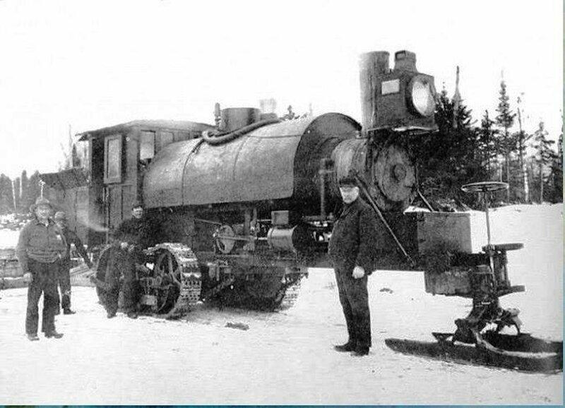 В 1901 году изобретатель Alvin Orlando Lombard построил первый признанный практичным гусеничный трактор — Lombard Steam Log Hauler..jpg