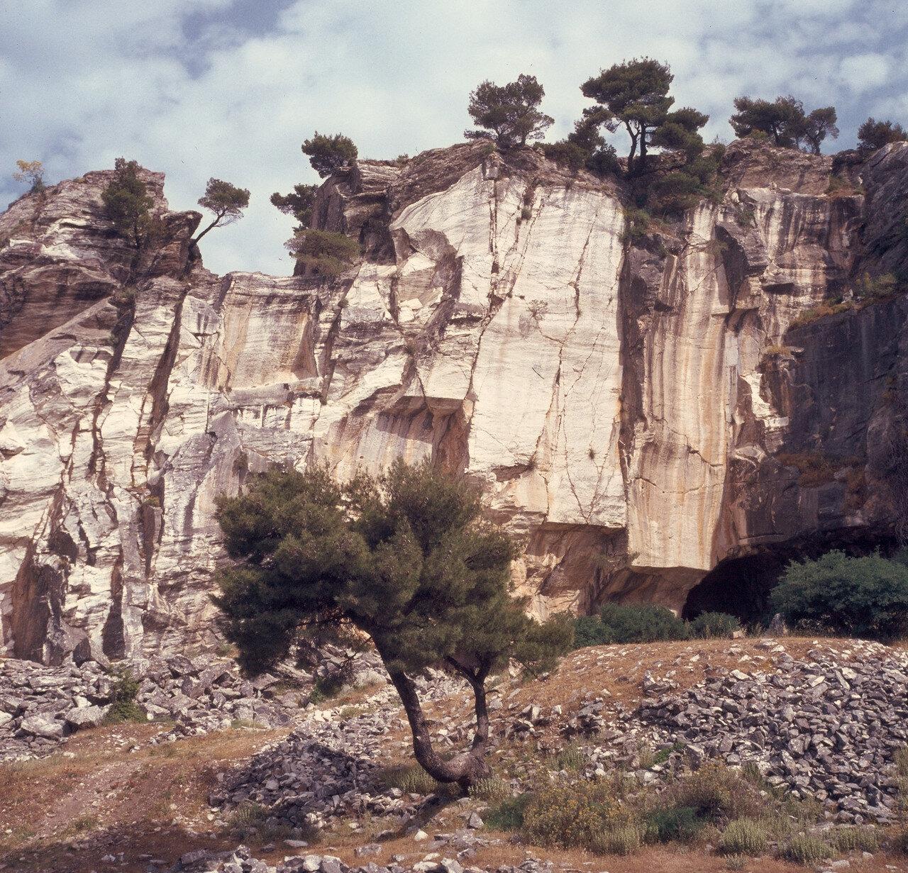 Пенделикон. В древних мраморных карьерах. 1968