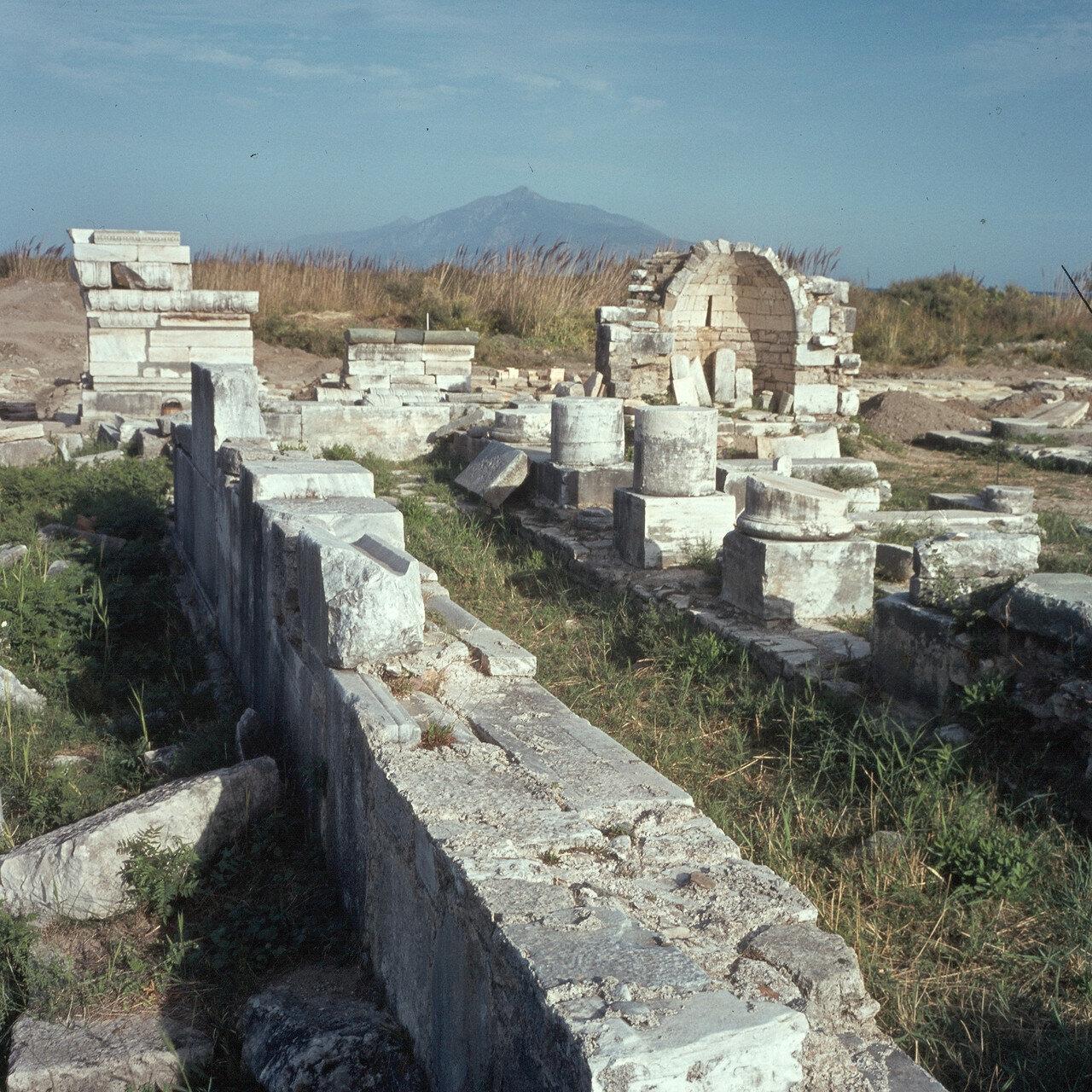 Самос. Герайон. Храм Ройка. Руины базилики. 1964