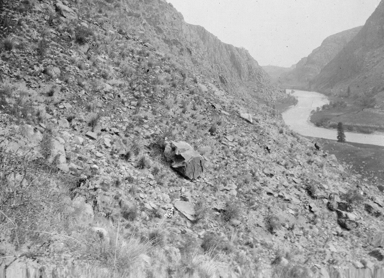 Долина реки Агиас. Склоны долины