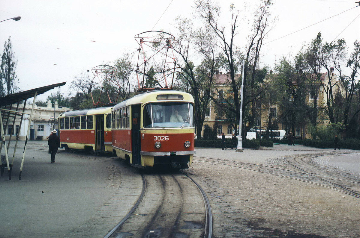 Площадь Октябрьской Революции