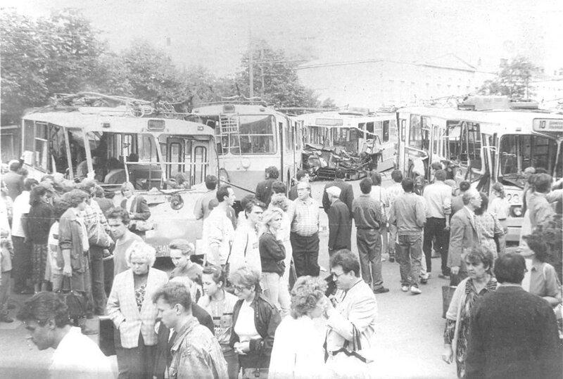 Смоленская площадь  22 августа 1992 _02.jpg