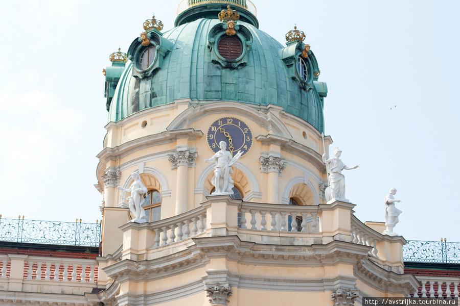 Dvorets-Sharlottenburg.jpg